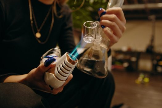 3 Different Ways of Smoking a Dab Rig